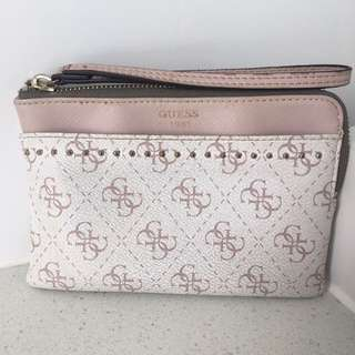 GUESS CLUTCH POUCH WITH WRIST STRAP | Soft Pink & White
