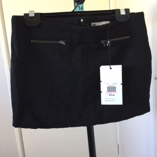 $5 Each Skirt And Shorts Size 6