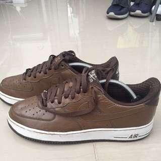 Nike Air Force 1 (1982 Vintage)