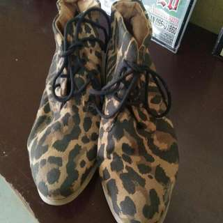 Forever21 Mid Cut Leopard