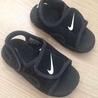 Used Nike sandals