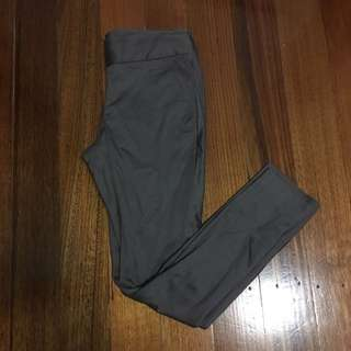 Giordano Grey Pants Size 6