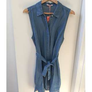 Sz 10-12 SASS Denim shirt dress from the iconic
