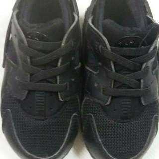 Authentic Nike Huarache Triple Black
