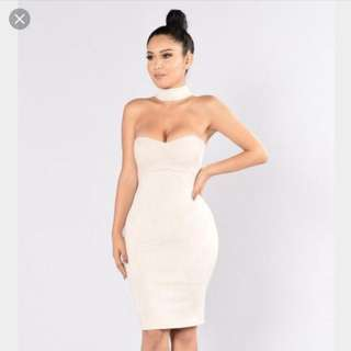 Fashion Nova Cream Chocker Dress XS