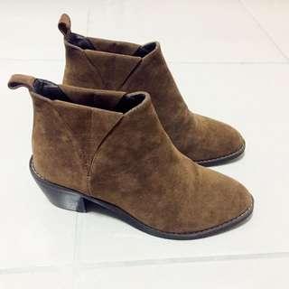 *麂皮短靴*咖啡色 Made In Korea