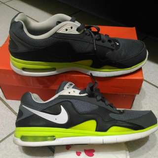 🚚 Nike跑步鞋