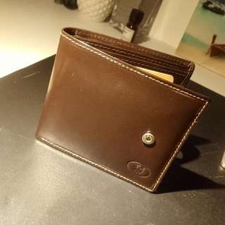 Brand New Llyod Baker Brown Leather Wallet!