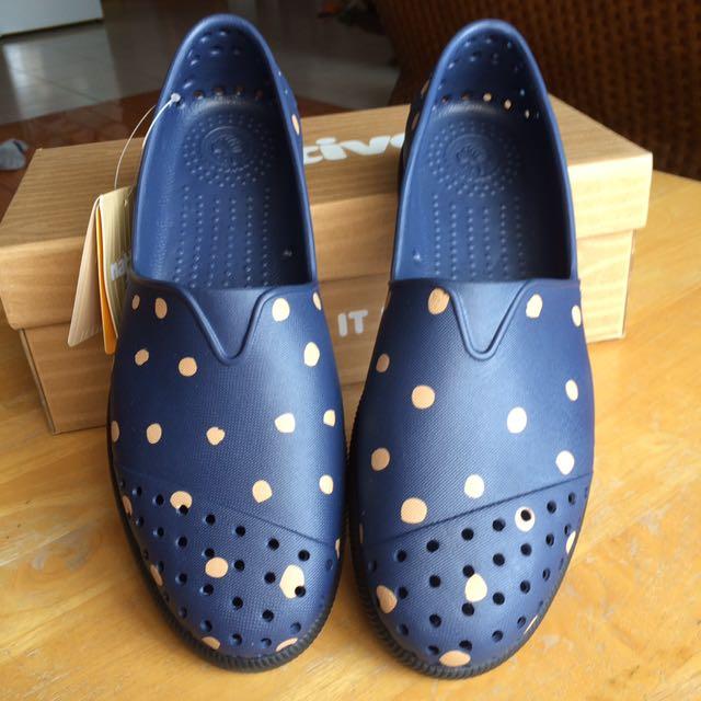 全新 native 鞋橡膠防水雨鞋