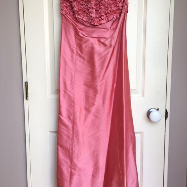 😍 Stunning Pink George Ball Dress 😍