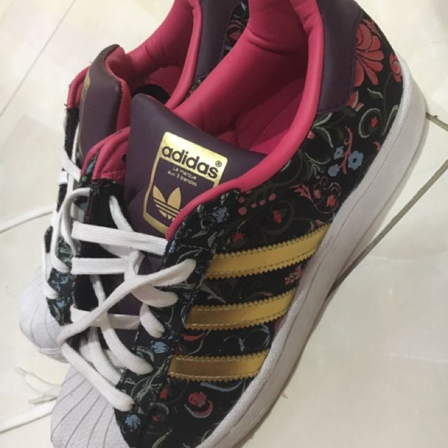 Adidas Superstar Flower Theme
