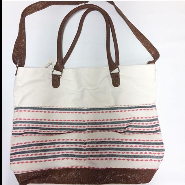 Aeropostale Hand/sling Bag