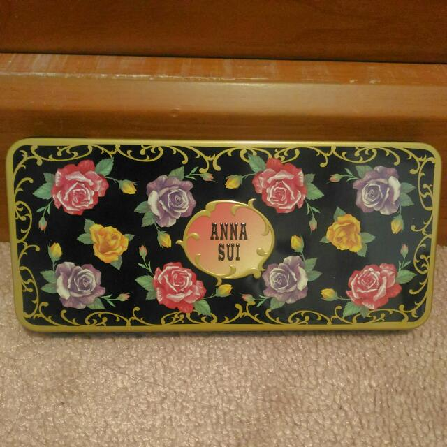 Anna Sui Tin Box Eyeshadow Palette