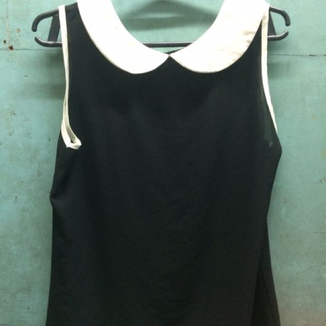Balck Top With White Collar