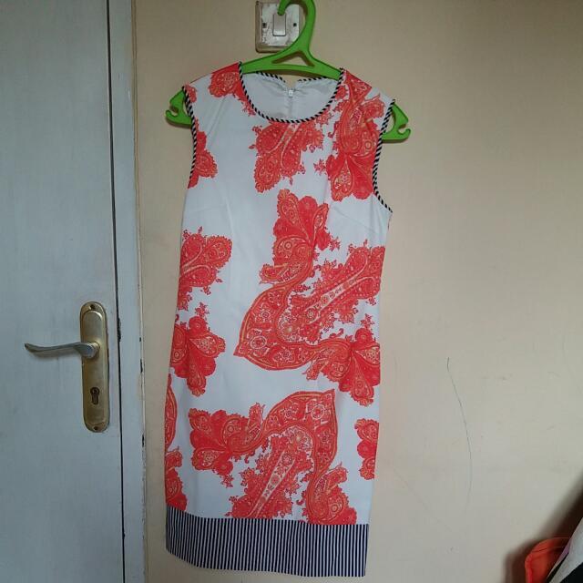 Dress No brand Premium Quality Only Wear Once Disarankan Dipakai Sama Cewe Dengan Berat Badan 45-50kg, Dng Tinggi Badan Max 160cm Dan Min 150cm (Biar Lebih Cantik Pas Dipakai) Harga Belum Termasuk Ongkir Harga Nett