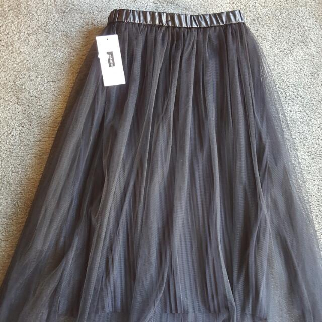 Gorgeous pleated skirt one size fit size 8~12