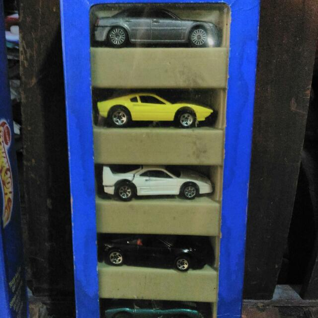 Hot Wheels, Die Cast Vintage Model...circa 1995, Never Been Played,2 Sets 10 Pieces For 1,800 Pesos,  1,000 Pesos For 1 Set 5 Pieces