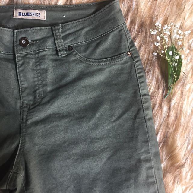 Olive Skinny Jeans - Capris