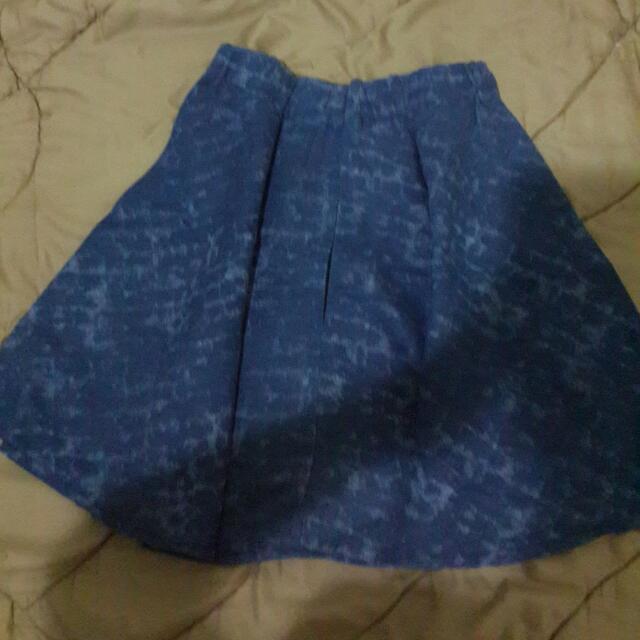 preloved : rok flare skirt motif jeans