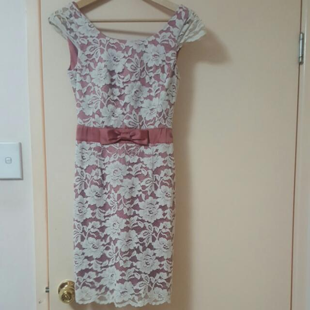 Review Lace Dress