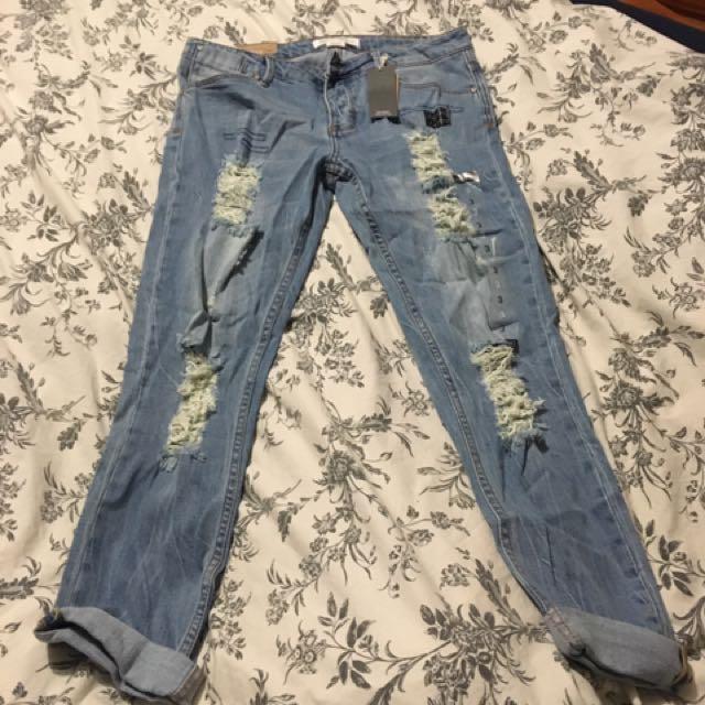 Ripped Capri Pants