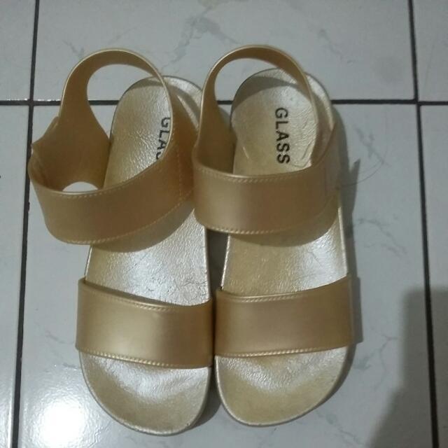 """Sepatu Sandal """"GLASS"""" gold"""