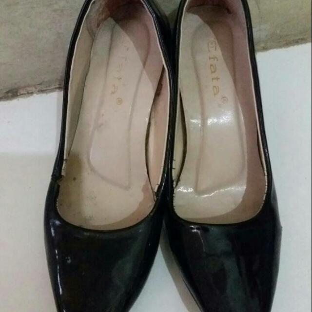 Sepatu Wanita Ukuran 37