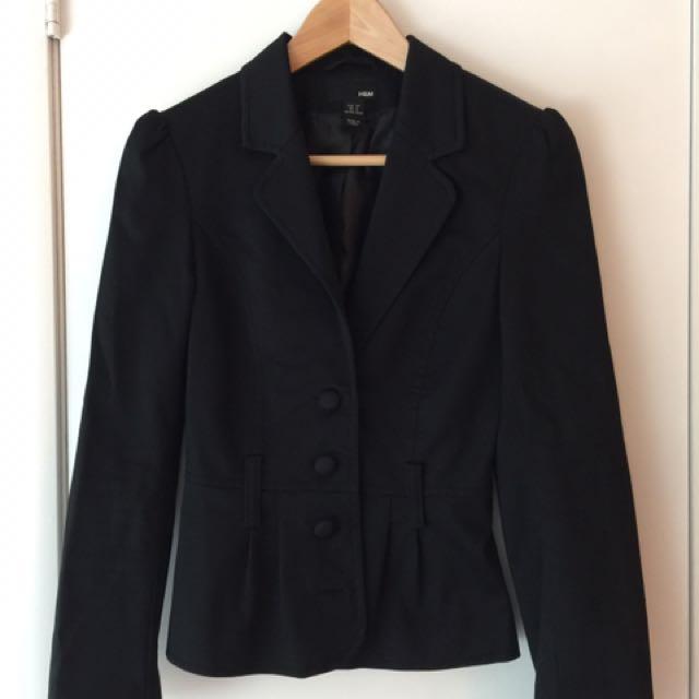 Size 4. H&M Black Fitted Blazer