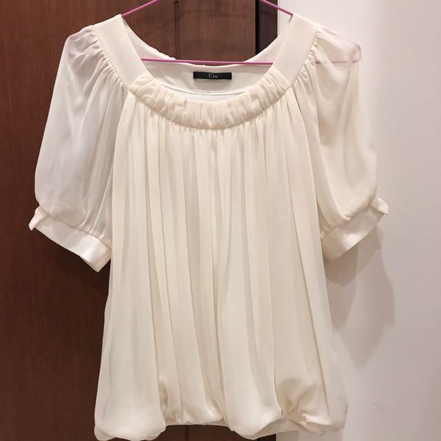 《U're》米白色雪紡紗短袖上衣