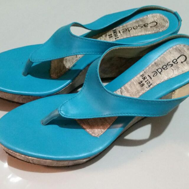 wedge sandals size 6 3in height