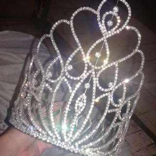 CROWN / TIARA