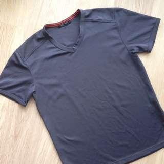 Uniqlo Moisture-wicking T-shirt