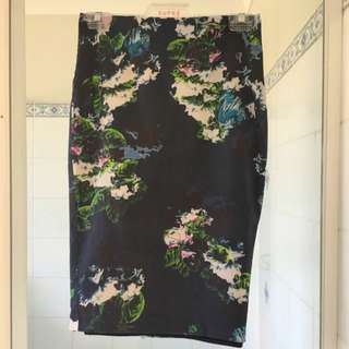 Portman's Floral Pencil Skirt Size 6