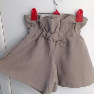 Beige Cinched-in Waist Shorts