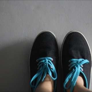 Converse Blue Black Canvas
