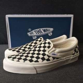 67b6677129 Vans Vault OG Classic Slip-On LX Checkerboard