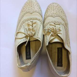 Glassons Cream Brogues Size 8