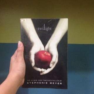 Twilight Saga(twilight, Eclipse And Breaking Dawn)