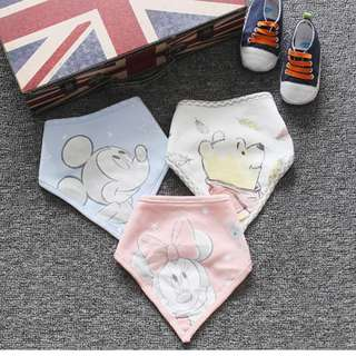 外貿原單三款可愛經典卡通圖案超實用寶寶三角巾口水巾圍兜