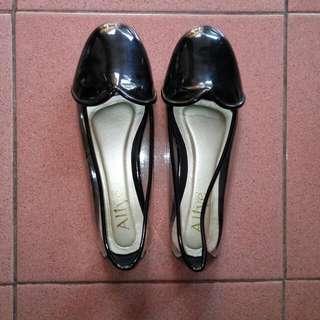 Alive Flat Shoes