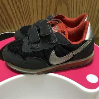 Nike布鞋