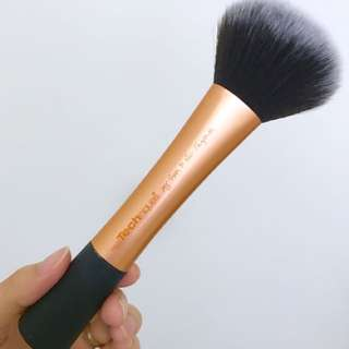 Real Techniques powder brush 蜜粉刷