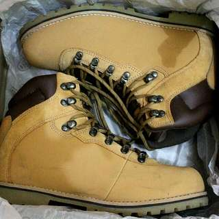 EIGER S. Tennessee Hiking Boots