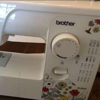 Brother 縫紉機 國外帶回來二手價5000(可小議價)