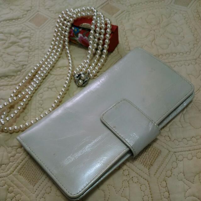珍珠白真皮長夾手拿包 可放手機 護照