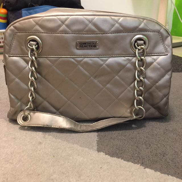 Auth Kenneth Cole Chain Bag