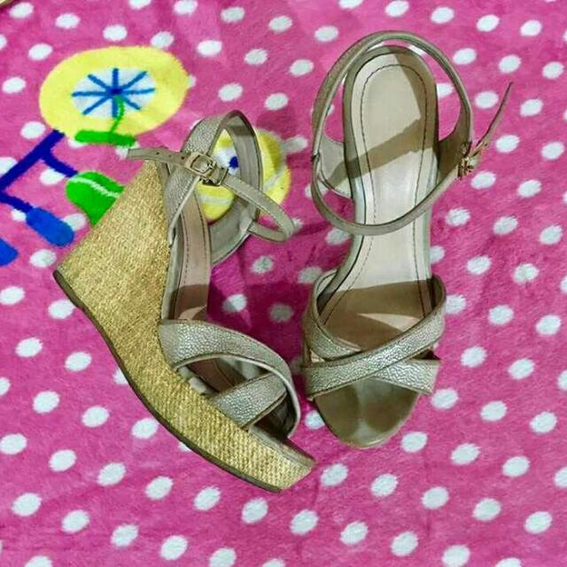 Authentic Guess Sandal