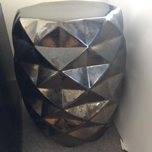 Chair/ flower-pot pedestal