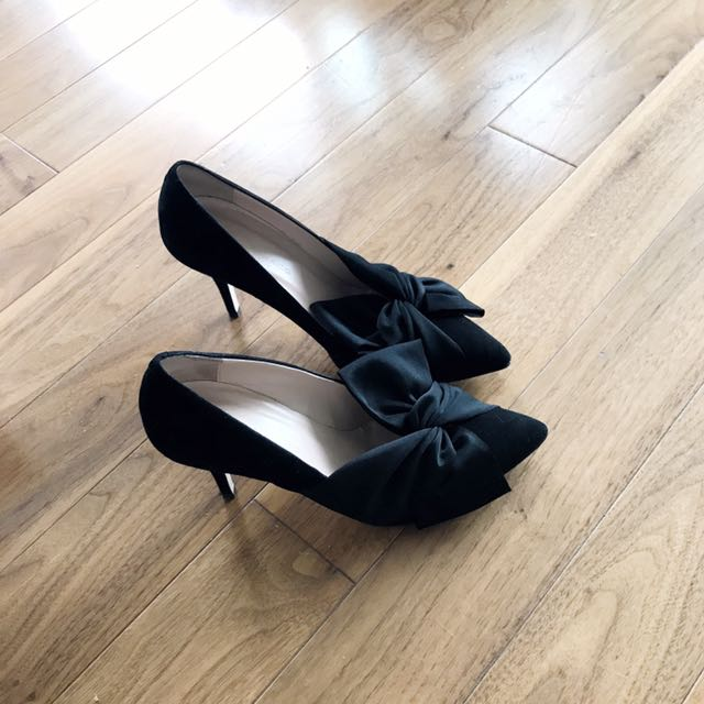 Club Monaco Bow Pointy Kitten Heel Pumps
