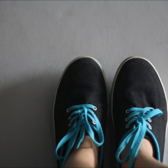 Converse Blue Black Canvas